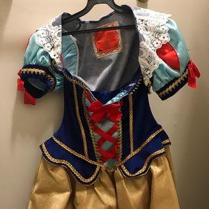 Snow White Halloween costume